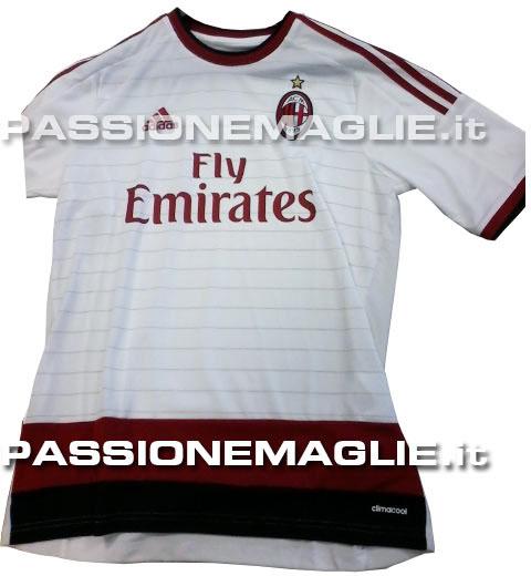 La maglia del Milan para la temporada 2014 - 2015