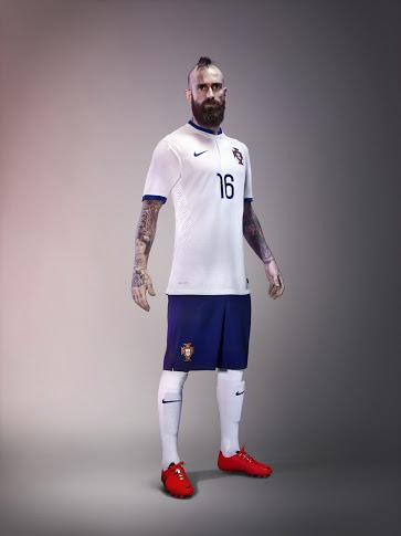 Portugal presenta su camiseta suplente para el Mundial de Brasil 2014