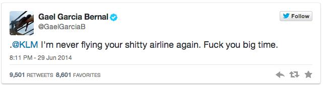 Gael García Bernal critica a KLM por su tweet