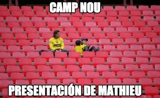 Los mejores memes del fichaje de Mathieu por el Barcelona