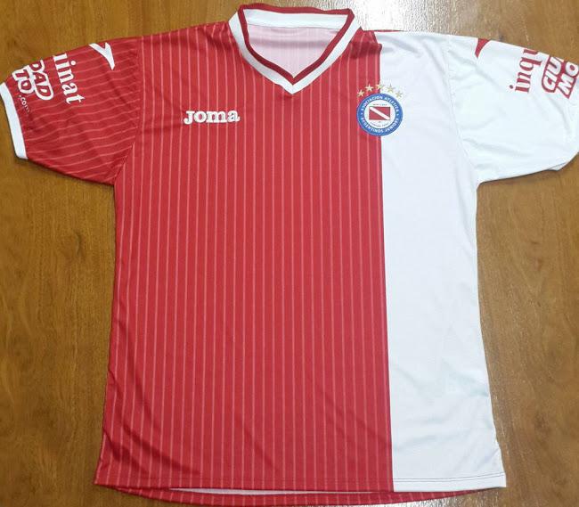 La nueva camiseta de Argetinos Juniors para 2014 - 2015