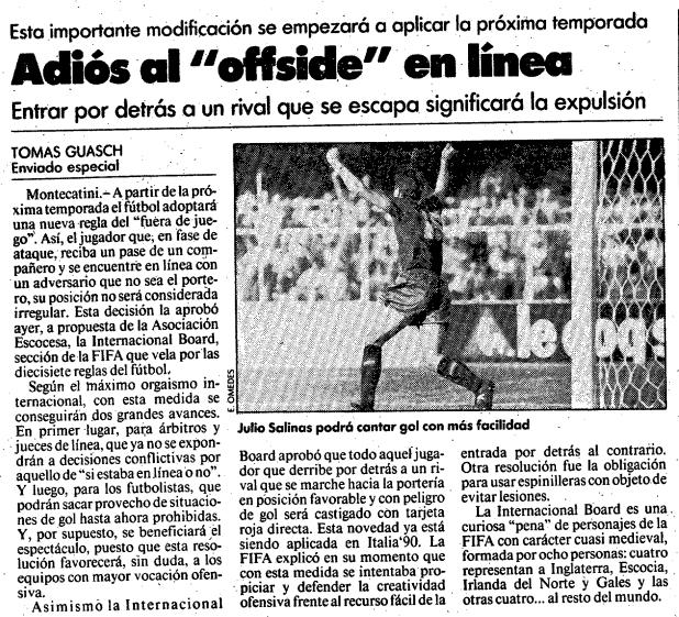 25 a os de la actual regla del fuera de juego futbol de for Regla de fuera de juego en futbol