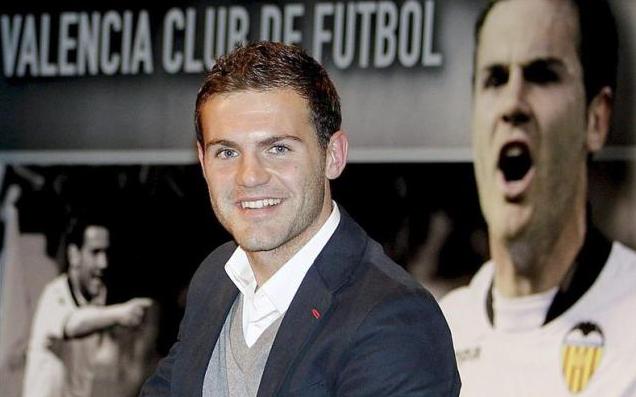 Juan Mata durante un acto con el Valencia