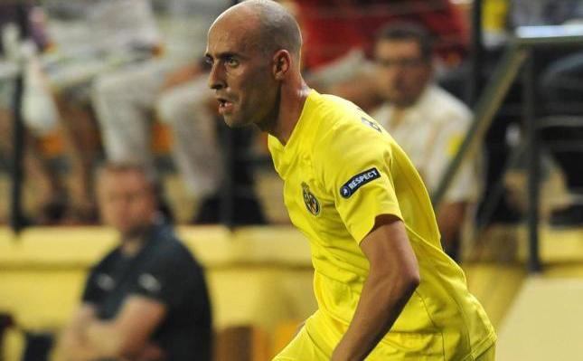 Borja Valero durante un encuentro con el Villarreal