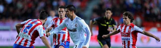 Cristiano Ronaldo frente al Sporting de Gijón
