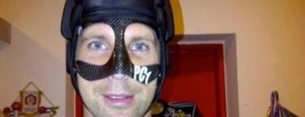 Cech, el portero enmascarado