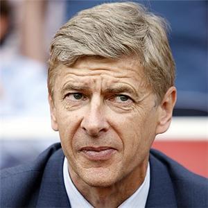 Wenger piensa invertir 65 millones en fichajes este verano Arsene-wenger