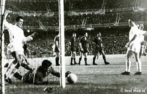 Historia de los clasicos Real Madrid Vs Barcelona-http://www.futbolprimera.es/files/images/realmadrid-barcelona-1963.jpg