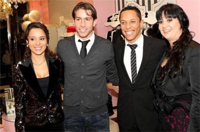 Adriano Correia y Maxwell con sus novias