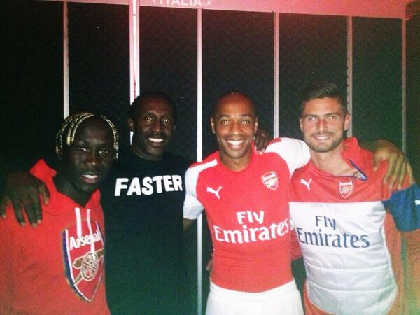 Camisetas Puma del Arsenal 2014 - 2015 con Giroud y Henry