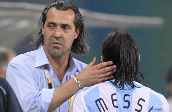 Leo Messi con Sergio Batista
