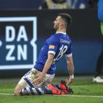 Caligiuri celebra su gol para el Schalke