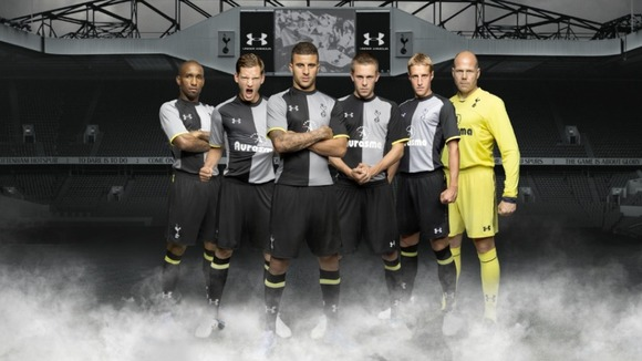 Tercera equipación del Tottenham 2012-2013