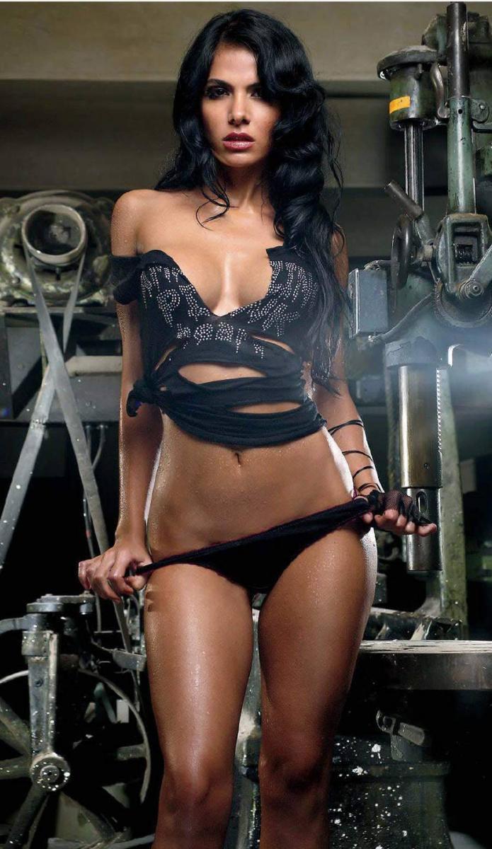 Vanessa Arias muy sexy